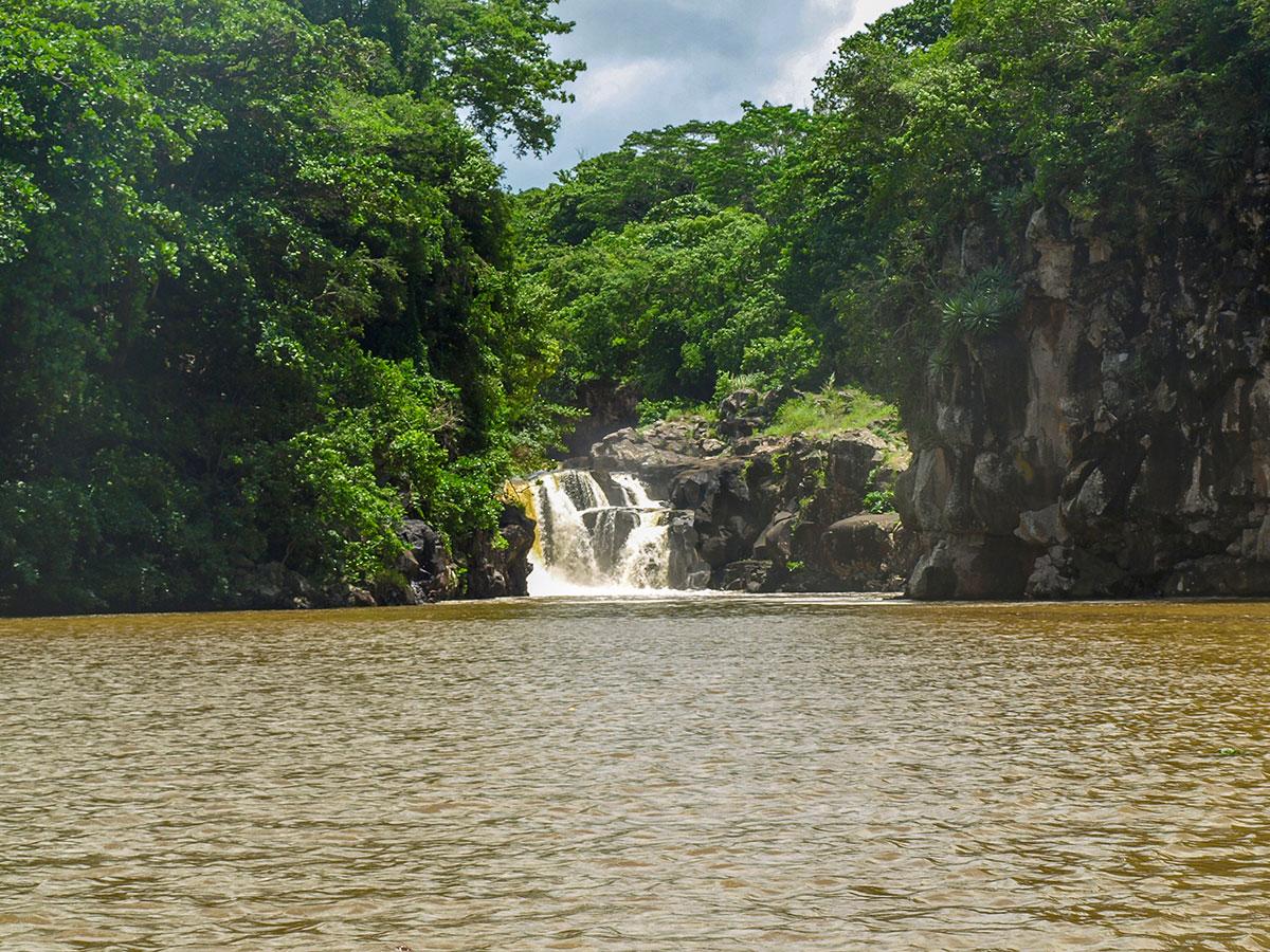 La cascade de Grande Rivière Sud-Est