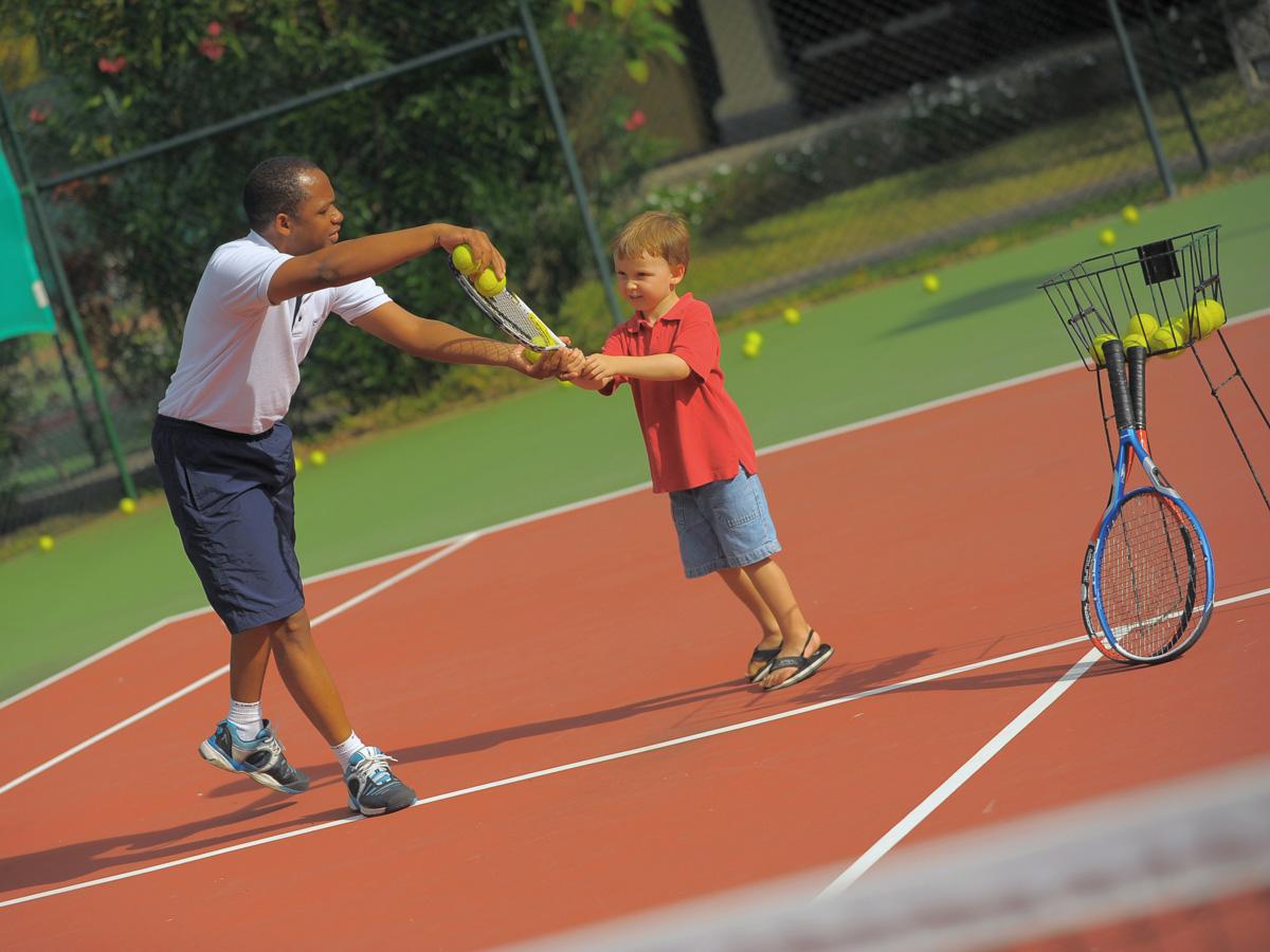 Cours de tennis à l'hôtel Paradis