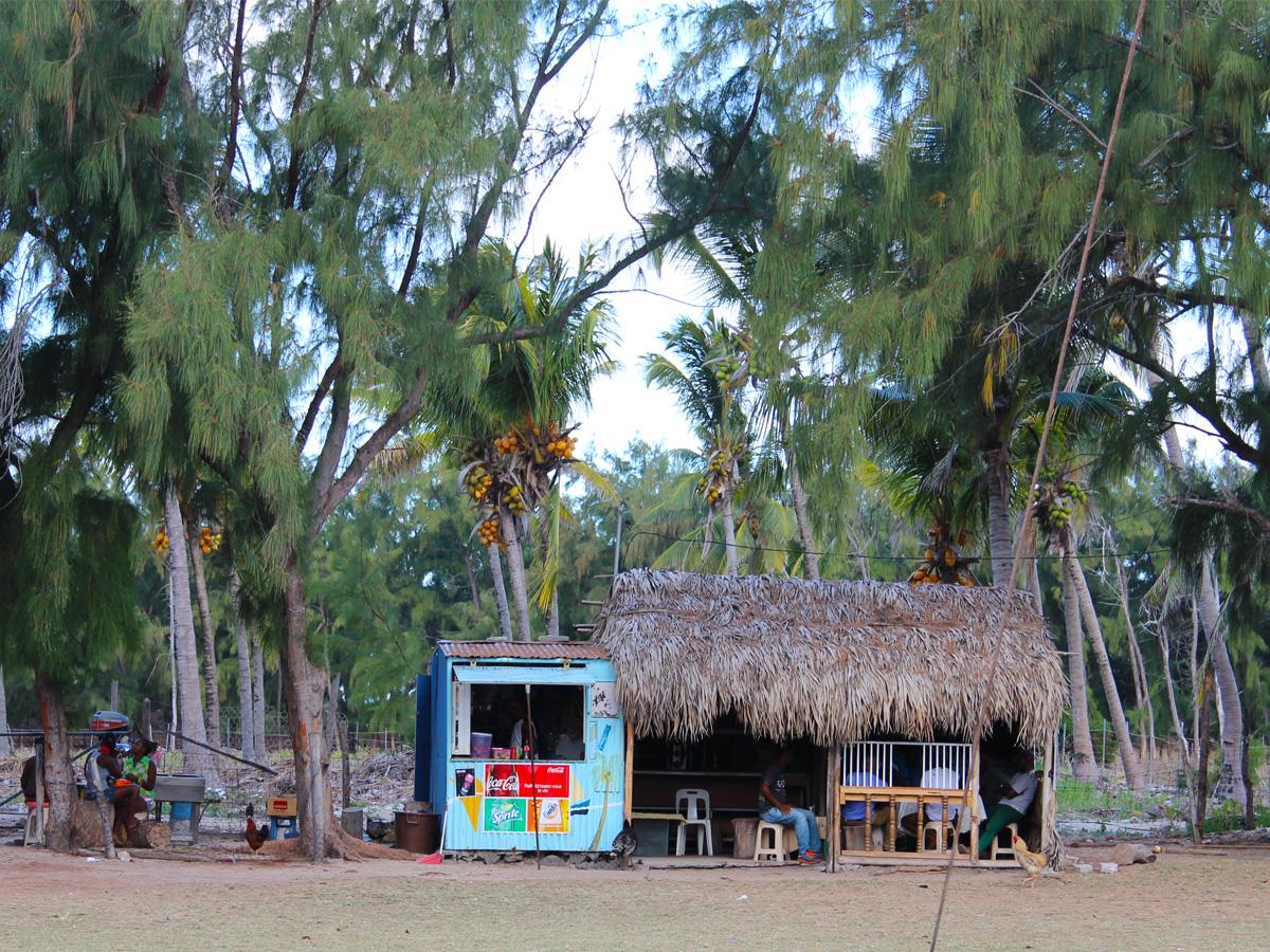 Une petite cabane où se désaltérer sur l'île
