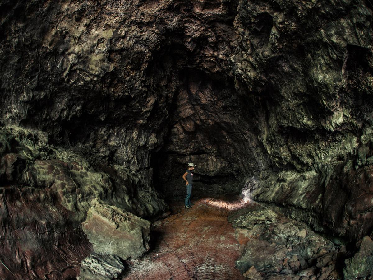Découvrez des grottes de lave