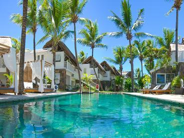 La magnifique piscine de l'hôtel 20 Degrés Sud