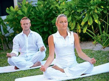 Séance de yoga à l'hôtel Ambre Resort à l'île Maurice