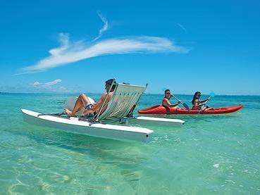 L'hôtel Ambre vous charmera par son lagon aux eaux turquoise