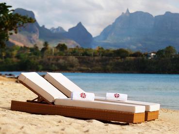 Détente sur la plage de l'hôtel Angsana Balaclava