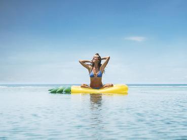 Profitez de la belle piscine de l'hôtel C Mauritius