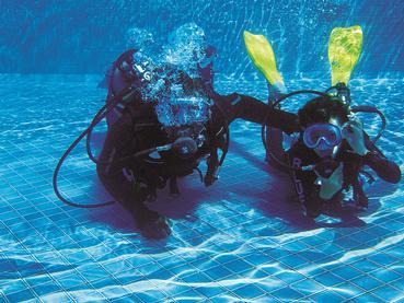 Initiation à la plongée à l'hôtel Constance Belle Mare Plage