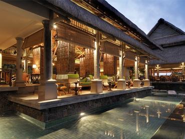 Le bar Lotus de l'hôtel de luxe Constance à l'île Maurice