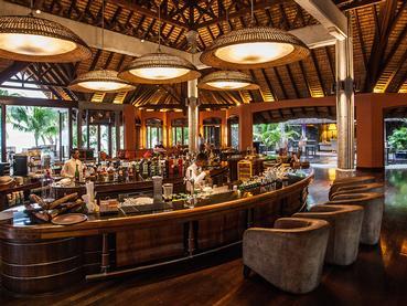 Le Mahogany Bar de l'hôtel Dinarobin Beachcomber