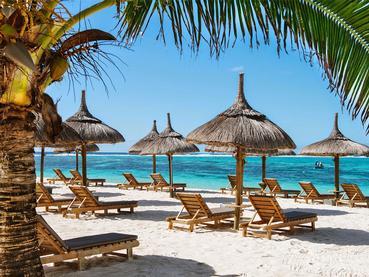 La plage de l'hôtel Friday Attitude à Trou d'Eau Douce