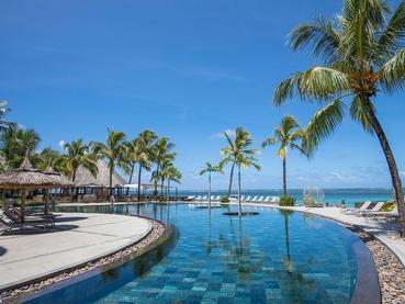 La superbe piscine de l'hôtel Heritage Awali
