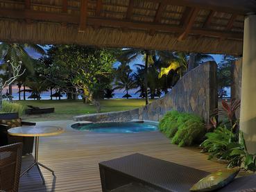 Beach Front Pool Suite de l'hôtel Trou Aux Biches