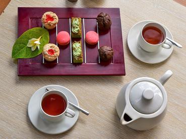 Petits délices à l'heure du thé à l'hôtel Intercontinental