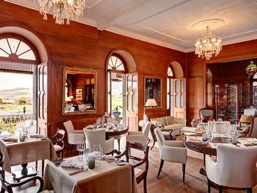 Profitez d'un somptueux repas face au Château de Bel Ombre