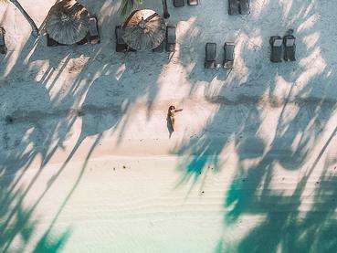 Profitez du sable blanc du Mauricia Beachcomber