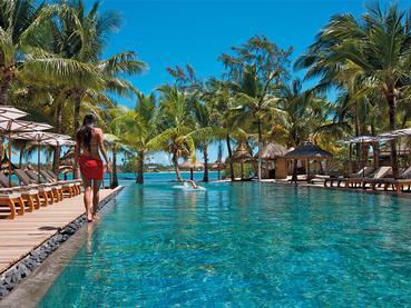 Profitez de la superbe piscine du Constance Le Prince Maurice