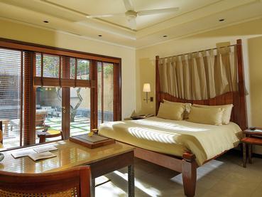 Pool Villa Beachfront (2 Chambres)