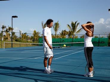 Le court de tennis de l'hôtel Long Beach Mauritius