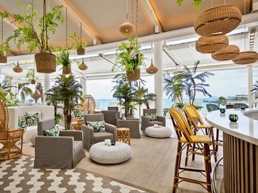 Le restaurant principal Palm Court du LUX* Grand Gaube