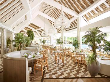Expériences culinaires variées et inédites au restaurant Palm Court du LUX*
