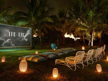 Le cinéma en plein air de l'hôtel LUX* Grand Gaube