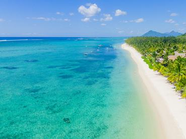 La magnifique plage du LUX* Le Morne à l'île Maurice