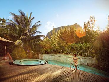La piscine du spa du LUX* Le Morne à l'île Maurice