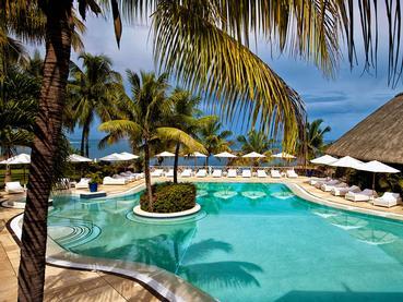La piscine de l'hôtel Maritim Resort à l'île Maurice