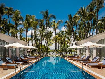 La superbe piscine du spa de l'hôtel 5 étoiles Le Saint Géran