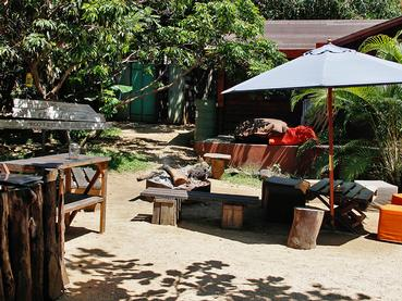 Feu de camp à Otentic Eco Tent à Grande Rivière Sud Est