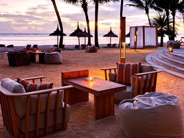Détente au Bar Bleu de l'hôtel Outrigger Mauritius