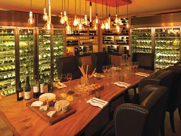La cave à vin Rouben de l'Outrigger à Bel Ombre