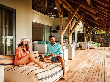 Moment en toute intimité sur la terrasse de votre villa au Paradis Beachcomber