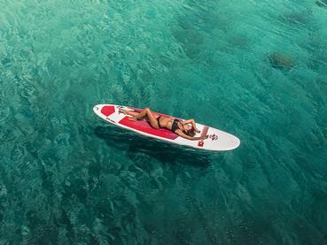 Profitez des eaux cristallines du Paradis Beachcomber