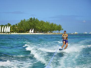 Profitez des nombreuses activités nautiques du Paradis