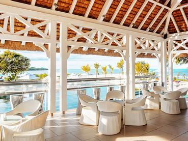 Le pool-bar Cyan du Radisson Blu Azuri à l'île Maurice