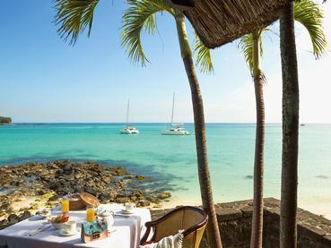 Copieux petit déjeuner face à l'océan au Royal Palm
