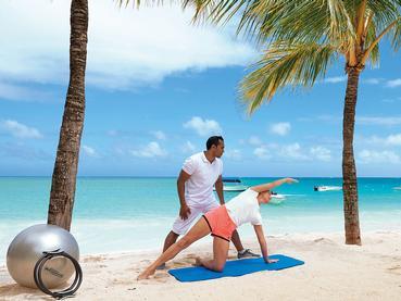 Remise en forme sur la superbe plage du Royal Palm