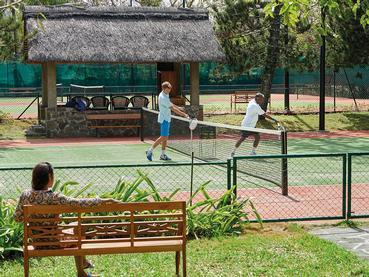 Le court de tennis du Royal Palm à l'île Maurice