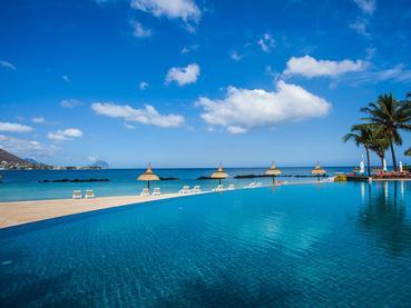 Profitez de la superbe piscine du Sands Suites Resort
