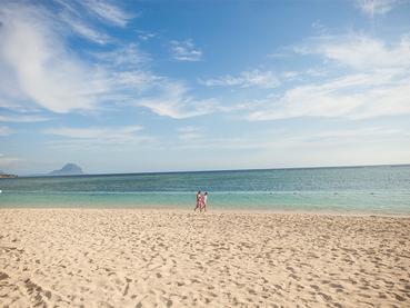 La superbe plage du Sands Resort situé à Wolmar