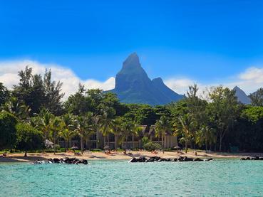 Vue du Sands Suites Resort & Spa depuis la mer