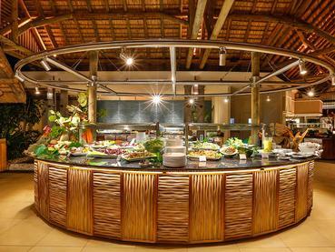 Le restaurant Tamarind Terrace du Sands Suites Resort