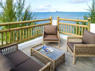 La terrasse de la Coin de Mire Villa du Seapoint