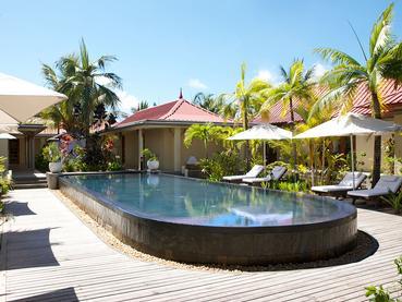 La piscine du LUX* Me Spa de l'hôtel Tamassa