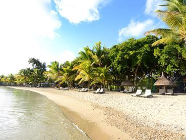 La plage de l'hôtel The Ravenala Attitude à l'île Maurice
