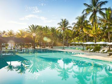 La superbe piscine du Ravenala Attitude à Balaclava