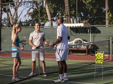 Le court de tennis du Residence situé à Belle Mare