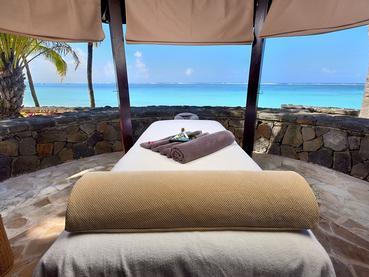 Profitez d'un massage face à l'océan au Residence Mauritius