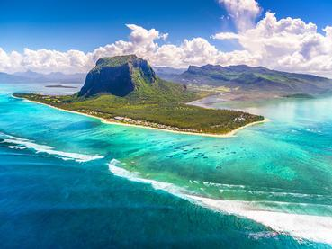 Vue de la péninsule du Morne, classée patrimoine mondiale par l'UNESCO