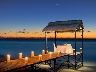 Dîner romantique sur le ponton de l'hôtel JW Marriott Mauritius